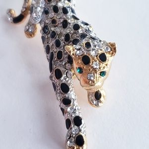 Vintage cat panther leopard brooch pin